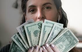 Hero футуристическая типография